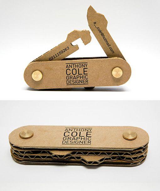couteau suisse en carton