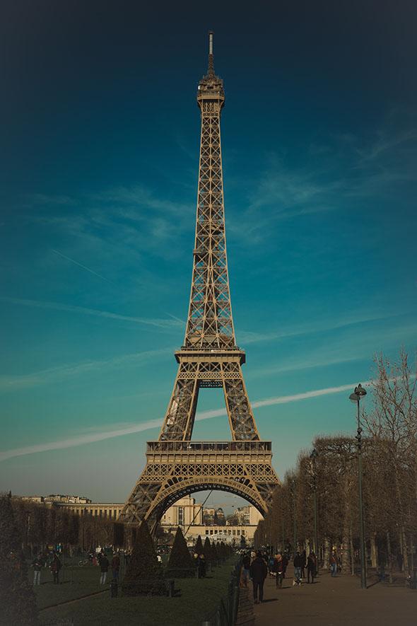 Les panneaux publicitaires de retour à Paris